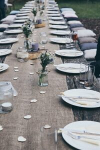 Who should I invite to my rehearsal dinner